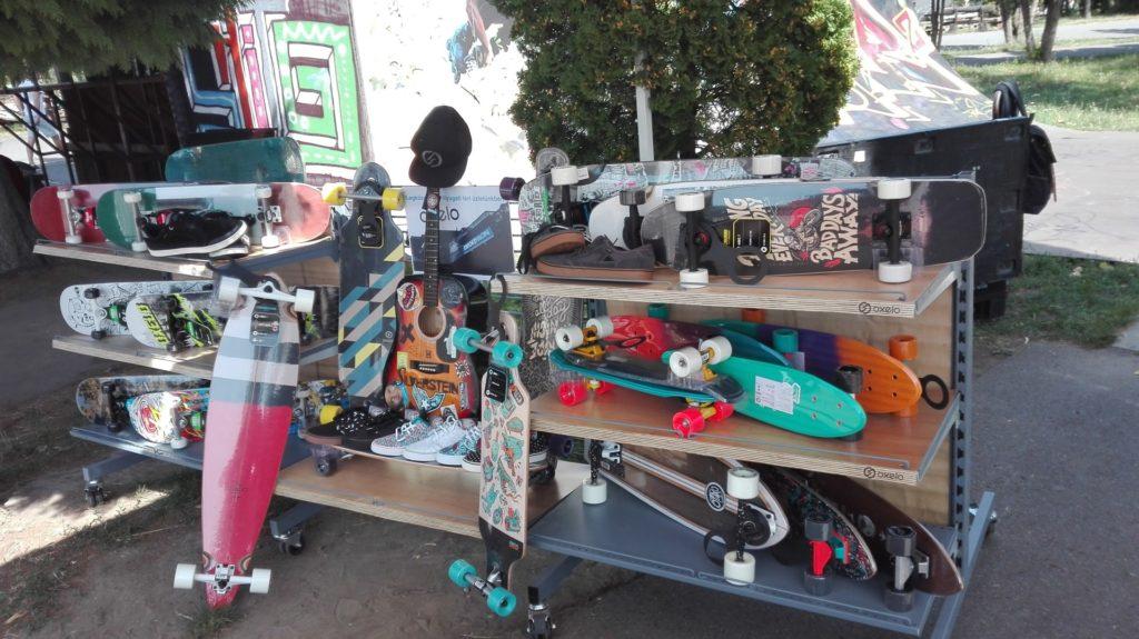 Az oxelo gördeszka, longboard és cruiser felhozatala