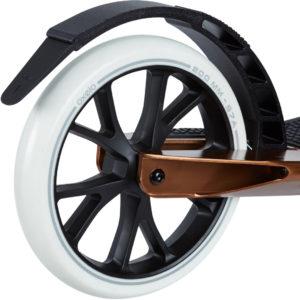 200 mm-es kerék és hátsó sárvédő