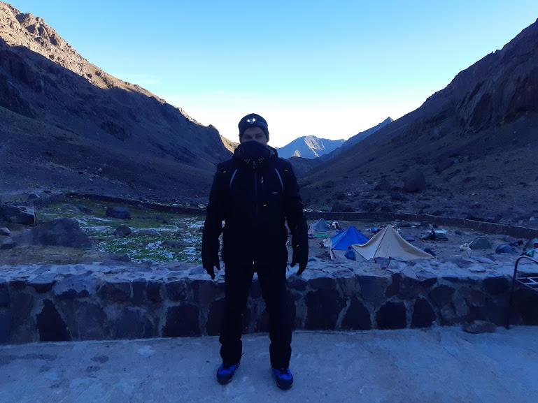 Beöltözve a túrához 3700 méteres szintre