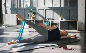 Gumiszalagos és kislabdás edzés
