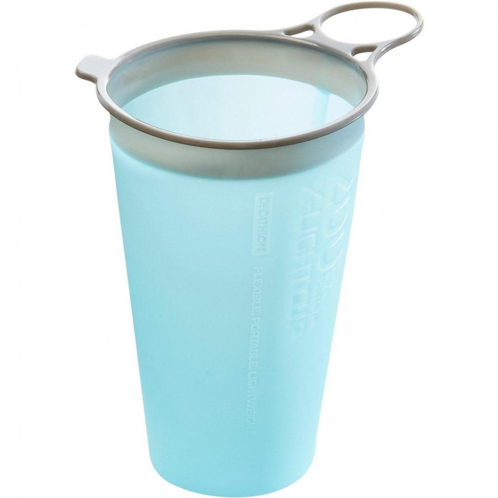 Összenyomható pohár futáshoz