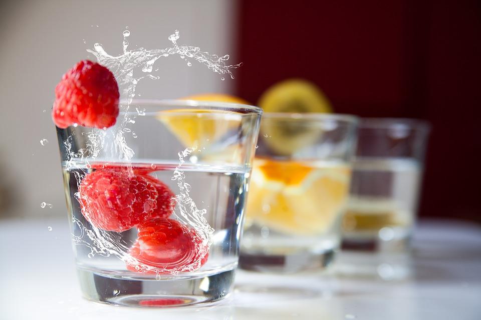 Folyadékpótlás - Ha nem szereted a sima vizet, tegyél bele gyümölcsöt!