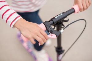 Rollerezés, biztonsági tippek - Tanuld meg a fékek használatát!