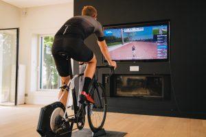 Interaktív edzőgörgő - Virtuális valóság