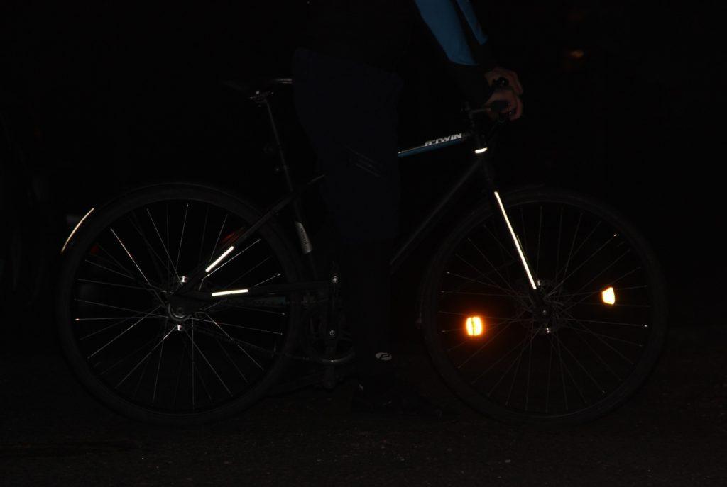 A kivilágítatlan kerékpár szabálytalan és balesetveszélyes